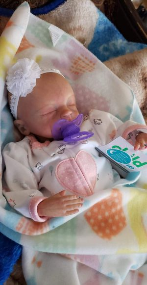 Baby Reborn doll prematura for Sale in Springfield, MA