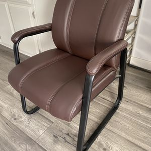 Office desk Chair for Sale in Los Angeles, CA