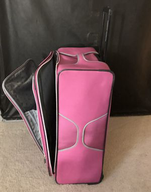 Pink big canvas suitcase for Sale in Nashville, TN