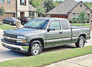 ֆ12OO 4WD CHEVY SILVERADO 4WD for Sale in Bowling Green, MO