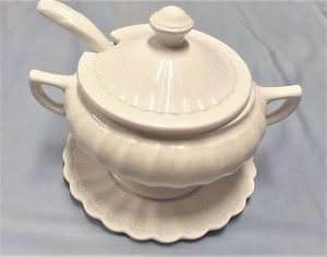 Large Soup Tureen CAL ORIG # 663-2663 USA White California Original 9 inch diameter and 9 inch high.- for Sale in Northfield, OH
