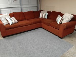 Great Laz Boy sectional couch for Sale in Renton, WA