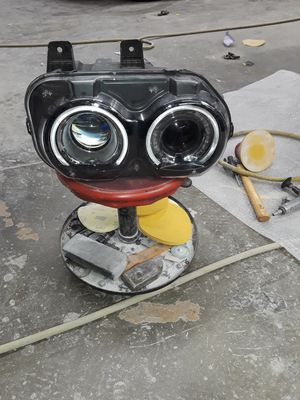 Headlight for challenger L.Z. 2019. 100% good condition for Sale in Los Angeles, CA