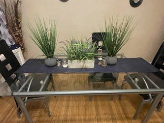 GLASS DINING TABLE (FREE CHAIRS AND TABLE ACCESSORIES) for Sale in Philadelphia,  PA
