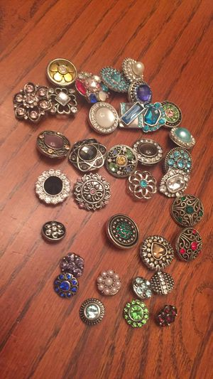 Snaps that are for bracelets and necklaces for Sale in Nashville, TN