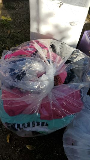 Girl clothes free for Sale in El Monte, CA