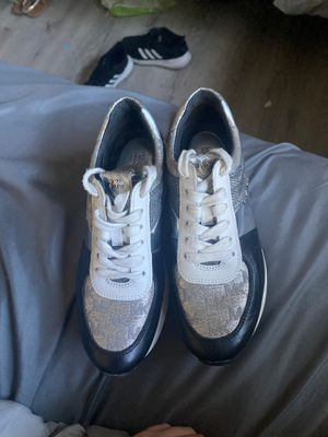 Michael Kors sneakers , Worn a couple times , Size 6 for Sale in Huntington Beach, CA