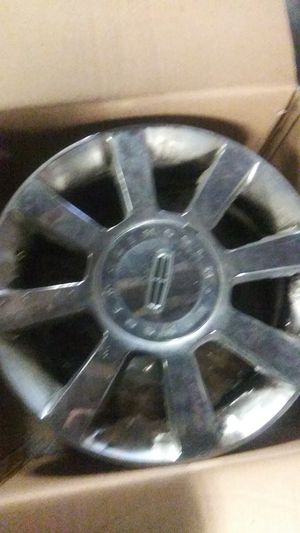 4 Lincoln rims no tires for Sale in Philadelphia, PA