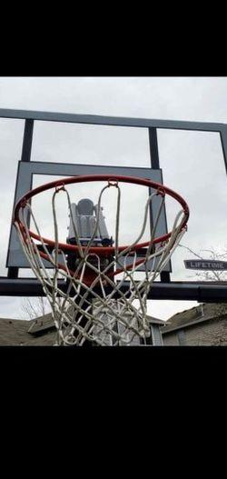 "LIFETIME PORTABLE 52"" SHATTERPROOF BASKETBALL HOOP for Sale in Auburn,  WA"