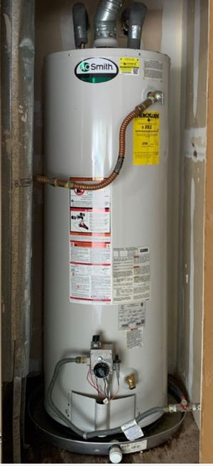 Smith 50 gallon gas water heater for Sale in Manor, TX