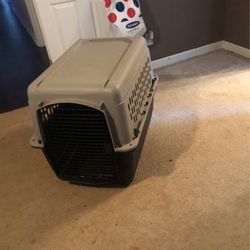 Dog Crate It's In Good Condition for Sale in Charlotte,  NC