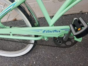 Electra womens cruiser bike for Sale in Silver Spring, MD