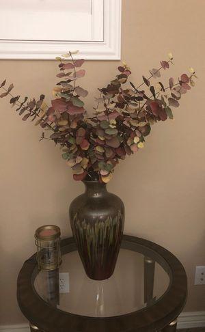 Flower vase for Sale in Goodyear, AZ