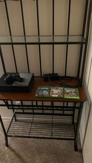 Xbox one with three games and controller for Sale in Aurora, CO