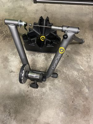 CycleOps bike trainer with bike riser for Sale in Kent, WA