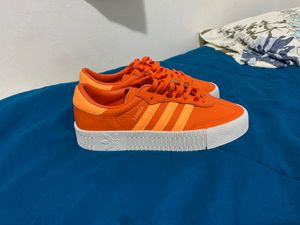 Adidas SAMBAROSE Size 8 /W for Sale in Los Angeles, CA