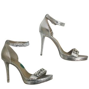 "Michael Kors Heels Silver Ankle Strap Size 8 True to Size Adjustable strap 4-4.5"" heel for Sale in Cumming, GA"