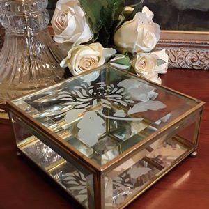 Vintage Jewelry/Trinket Box for Sale in Greensboro, NC