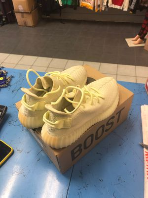 YEEZY BOOST 350 V2 size 8.5 US for Sale in Brooklyn, NY