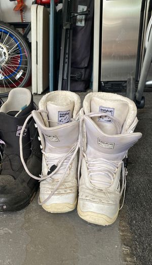 Snowboard boots for Sale in Palmdale, CA