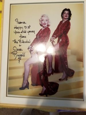 Autographed picture of Marilyn Monroe and Jane Russell signed by Jane Russell for my mom for 71st birthday for Sale in New Port Richey, FL