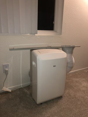 LG portable air conditioner for Sale in Costa Mesa, CA
