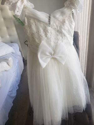 Flower girl dress size 8 for Sale in Cerritos, CA