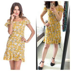 Brand New Summer 2019 Women's Dress Bright Floral Off Shoulder Mini Dress Size Medium for Sale in Smyrna, TN