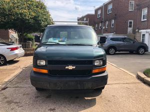 2005 Chevy express 3500 for Sale in Philadelphia, PA