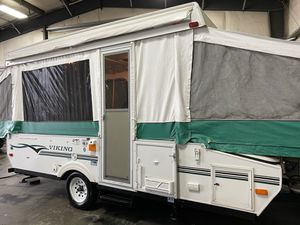 2004 Coachmen Viking 18ft Pop up trailer for Sale in Tacoma, WA