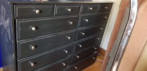FREE 10 drawer dresser for Sale in Chicago, IL