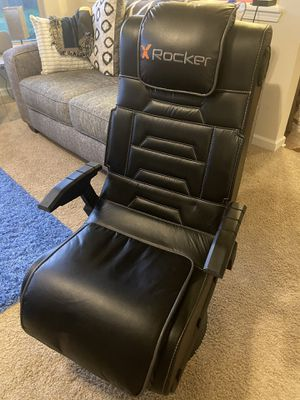 Brand new gaming chair with speakers for Sale in Lilburn, GA