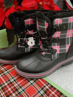 New Womans Winter/ Snow Boots for Sale in Philadelphia,  PA