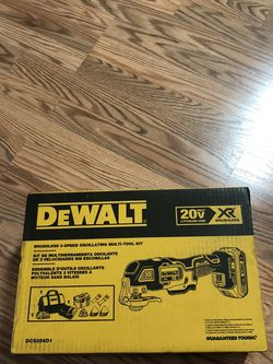 DeWalt 20-Volt MAX XR Cordless Brushless 3-Speed Oscillating Multi-Tool with (1) 20-Volt 2.0Ah Battery & Charger for Sale in Happy Valley,  OR