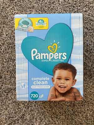 Pampers 720 wipes with free gerber baby foods for Sale in Grand Prairie, TX