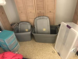 Medium and large storage containers & 3 storage min dresser thing. All with lids for Sale in Mililani, HI