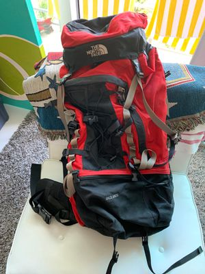 The North Face Badlands backpack for Sale in Miami, FL