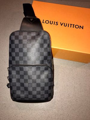 Louis Vuitton Avenue Sling Bag for Sale in Virginia Beach, VA