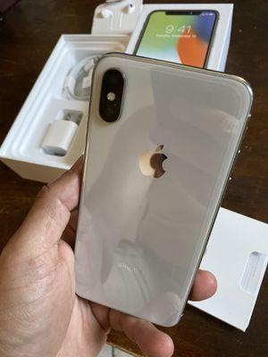 iPhone X silver 256gb factory unlocked (desbloqueado para todas las compañías) for Sale in Rosemead, CA