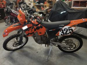 2004 KTM 520 enduro street legal dirtbike for Sale in Valley Center, KS