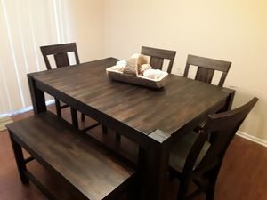 Wooden Table & Chair Set Which Includes 1 Table 4 Chairs & One Bench That Extends To Seat 8/ Bench Also Includes Extra Storage Space! $560 for Sale in Washington, DC