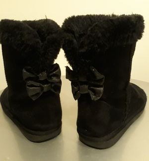 Ugg Boots - girls sz 3 for Sale in Indian Land, SC