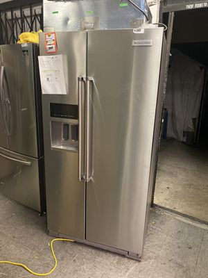 KITCHENAID SIDE BY SIDE STAINLESS STEEL REFRIGERATOR for Sale in Moreno Valley, CA
