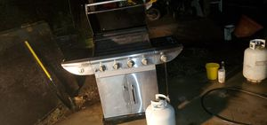 Free propane grill for Sale in Bloomington, CA