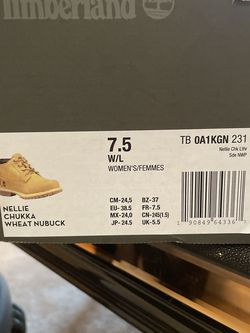 Timberland women's size 7.5 short boot for Sale in Powder Springs,  GA