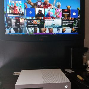 XBOX ONE S 1TB WORKS GREAT for Sale in Phoenix, AZ