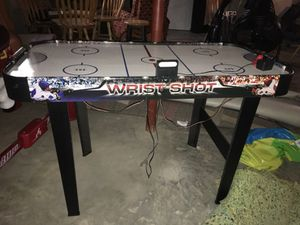 Wrist Shot Jr Air Hockey Table for Sale in Belleville, IL