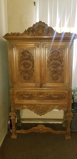 GORGEOUS antique armoire. Soild wood for Sale in Baldwin Park, CA