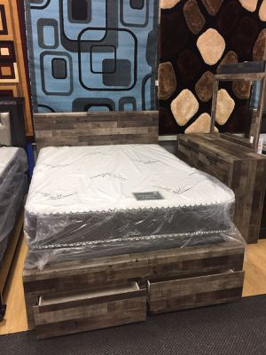 Beautiful bedroom set for Sale in Chicago, IL