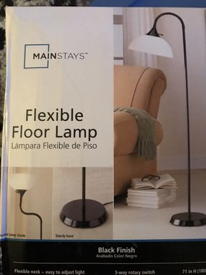 Main stays flex floor lamp new $100 for Sale in Middletown, PA